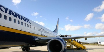 Ryanair: increase width of plane doors, fewer delays