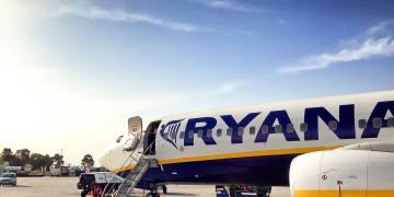 Ryanair fires the crew that took viral protest photo