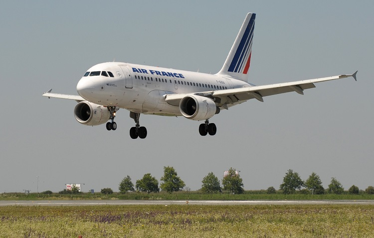 claim compensation and a refund for an Air France flight
