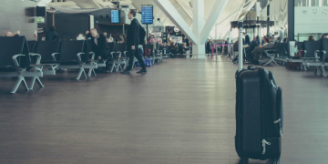Why and how do airlines misplace or lose your luggage in 2019?